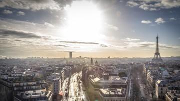 Paryż walczy ze smogiem. Nowe restrykcje dla pojazdów zanieczyszczających powietrze