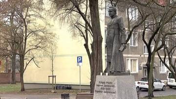 Scheuring-Wielgus chce usunięcia pomnika ks. Jankowskiego. Adamowicz: niech zdecydują mieszkańcy