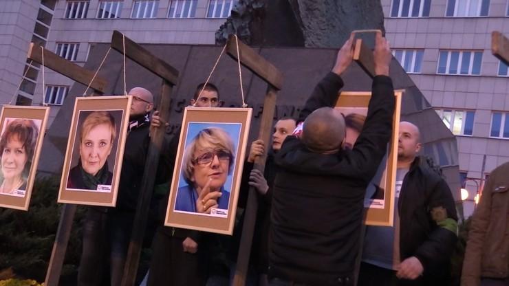 Zdjęcia europosłów na szubienicach. Śledztwo po raz kolejny umorzone