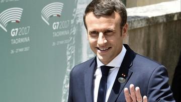 """Macron: długi uścisk dłoni z Trumpem był """"chwilą prawdy"""""""