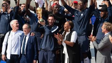 Piłkarze Francji wrócili do kraju. Na Polach Elizejskich czekają tysiące kibiców