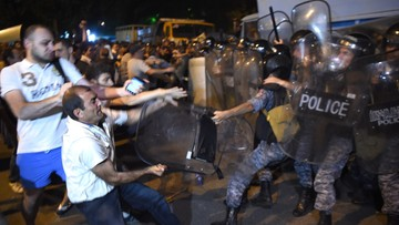 Armenia: masowe aresztowania po starciach z policją