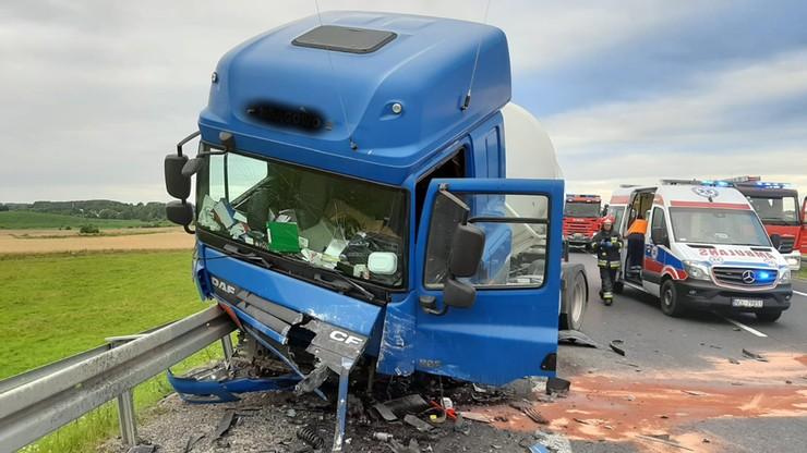 Wypadek z udziałem cysterny. Zginął młody kierowca [ZDJĘCIA]