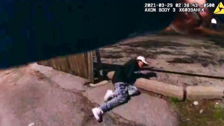 Policjant zastrzelił 13-latka. Opublikowano nagranie, dziecko nie miało broni