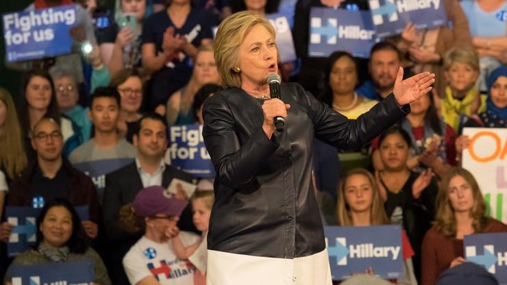Sondaż: poparcie dla Clinton i Trumpa niemal równe