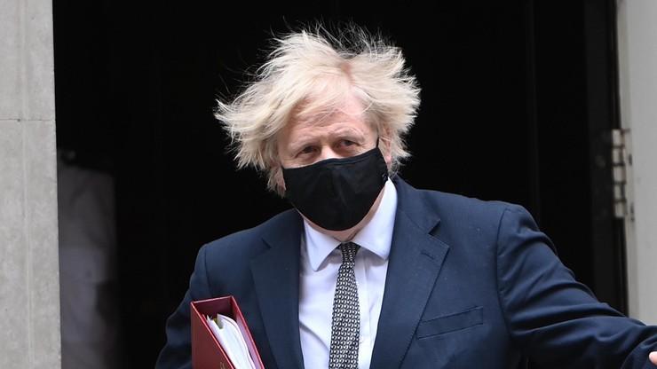 Wielka Brytania luzuje obostrzenia. Johnson: już za kilka dni będę mógł wreszcie pójść do fryzjera