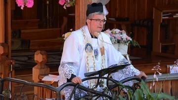 Były ksiądz Piotr Natanek organizuje masowe wydarzenie. Policjantów straszy mieczem