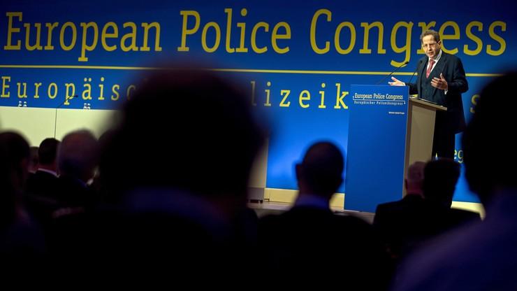 Niemiecka policja ostrzega: islamiści coraz częściej wpływają na imigrantów