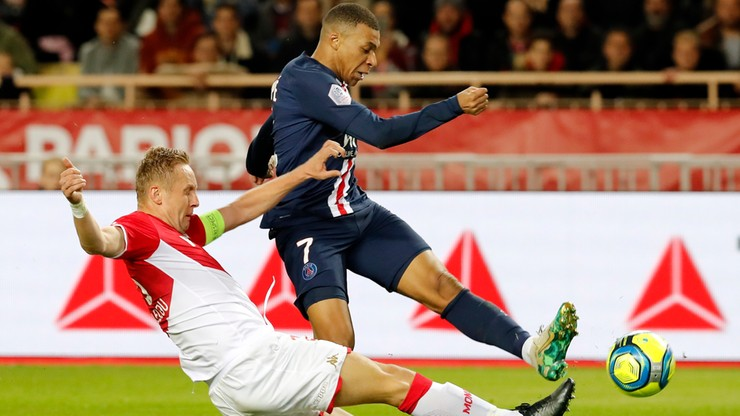 Ligue 1: Rzut karny po faulu Glika, zwycięstwo PSG nad Monaco