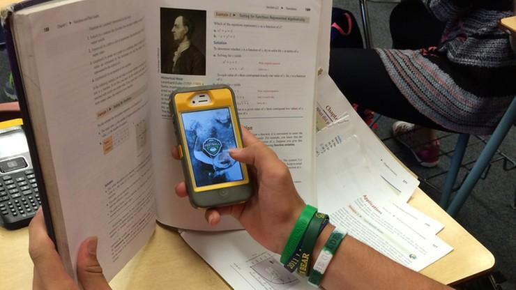 We Francji chcą zakazać używania telefonów komórkowych w szkołach