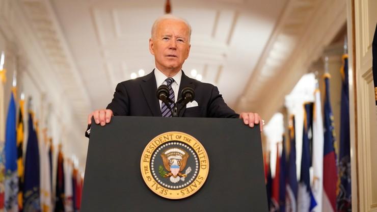 Biden: do maja wszyscy dorośli powinni kwalifikować się do szczepionki