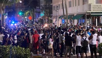 Imprezowicze starli się z policją. 150 osób zatrzymanych w Miami Beach