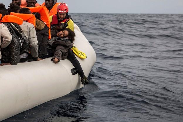 12 migrantów zginęło w wyniku zatonięcia łodzi u wybrzeży Grecji