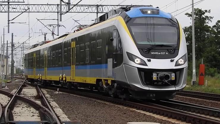 Po Polsce jeździ więcej pociągów, ale są coraz mniej punktualne