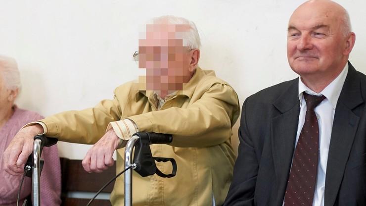 """Proces 89-letniego pułkownika SB ws. internowań działaczy """"Solidarności"""". Nie przyznał się do winy"""