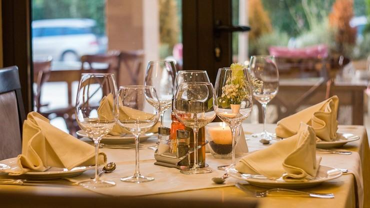 Nowe zasady funkcjonowania w gastronomii. O czym powinni pamiętać restauratorzy?