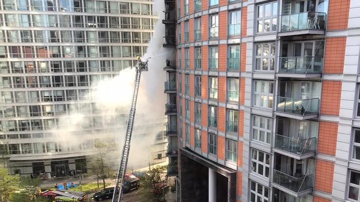 Londyn. Ugaszono pożar w 19-piętrowym budynku. W akcji brało udział ponad 100 strażaków
