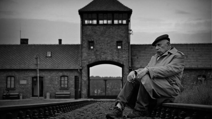 """Nie żyje Henryk Schoenker, ocalony z Zagłady, bohater filmu """"Dotknięcie Anioła"""""""