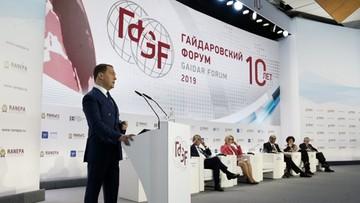 """Premier Miedwiediew: polityka gospodarcza USA """"agresywna i bezsensowna"""""""
