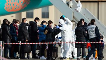 Polacy wracali z Chin z mężczyzną zarażonym koronawirusem