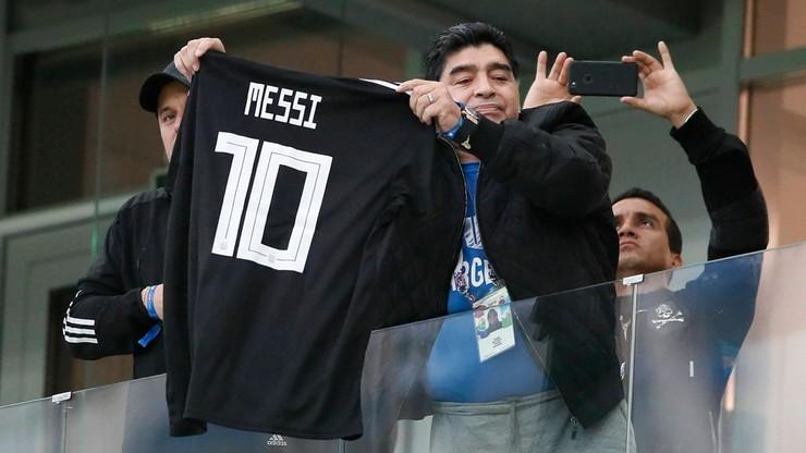 Maradona o Messim: Trudno zrobić liderem kogoś, kto przed meczem chodzi 20 razy do ubikacji