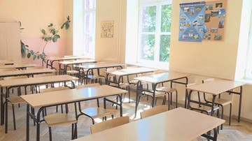 Szkoły średnie i uczelnie wyższe przechodzą na tryb hybrydowy i zdalny