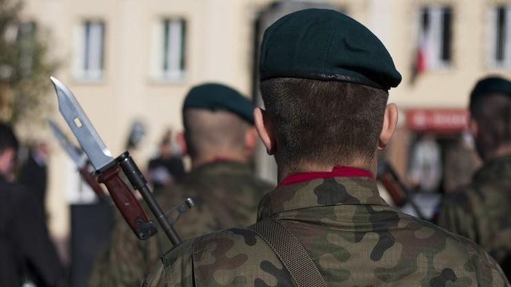60 sztuk amunicji dla ucznia, 6 - dla żołnierza. NIK o współpracy MON z organizacjami proobronnymi