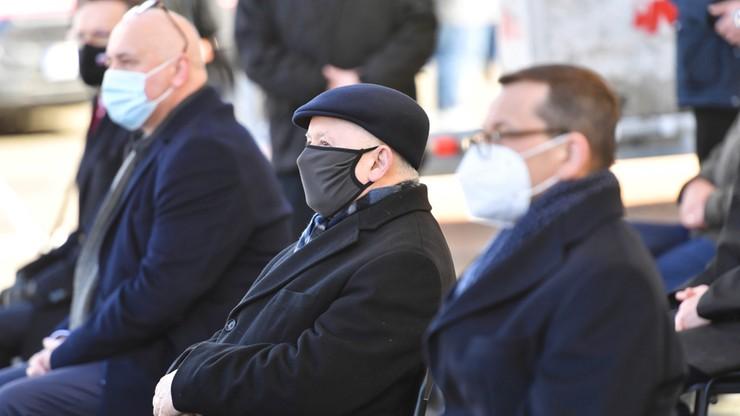 PiS na czele, wzrost poparcia dla ruchu Szymona Hołowni. Najnowszy sondaż