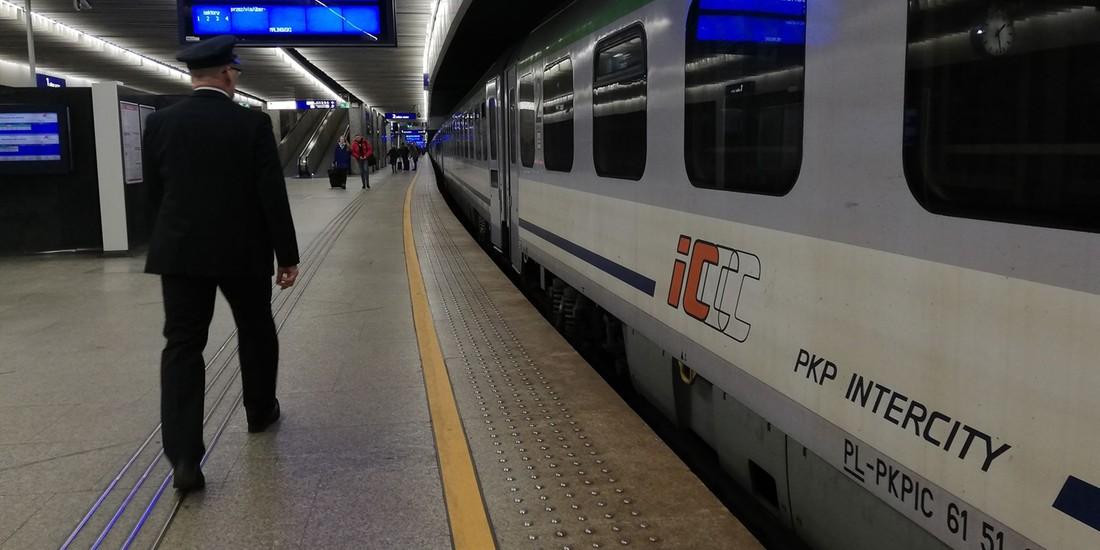 Nocne życie w pociągu. Co czyha za zasłoną przedziału?