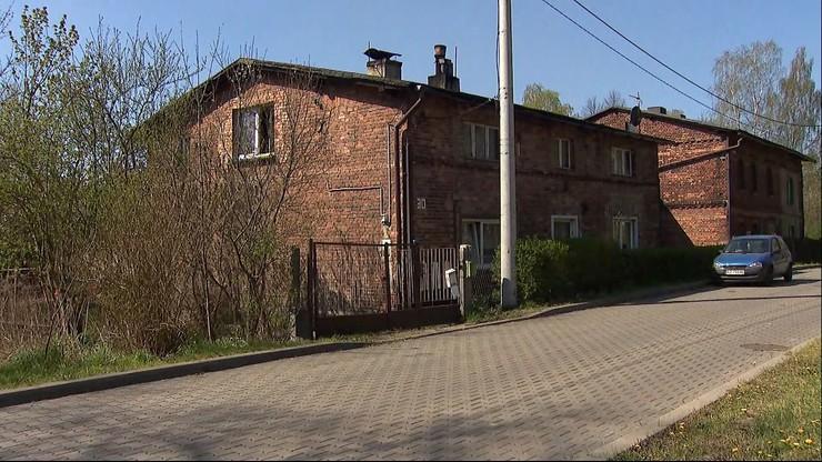 12-latka i 9-latek mieszkali sami przez miesiąc. Ojciec zmarł, matka wyprowadziła się do partnera