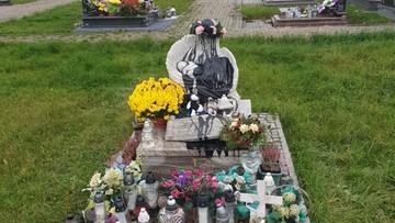 Zdewastowano pomnik dzieci nienarodzonych na cmentarzu w Brzezówce
