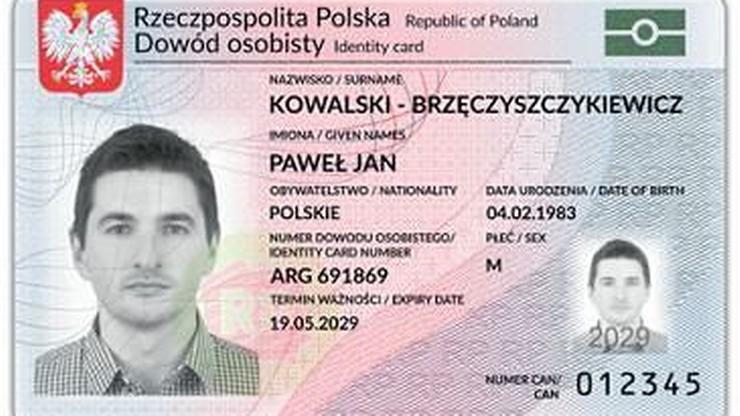 Prezydent Andrzej Duda podpisał nowelizację wprowadzającą do dowodów osobistych odciski palców