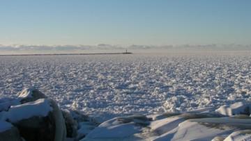 USA: ratownicy wodni uratowali 46 wędkarzy z kry na jeziorze Erie