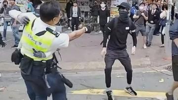 Brutalne starcia na ulicach Hongkongu. Policja postrzeliła demonstranta