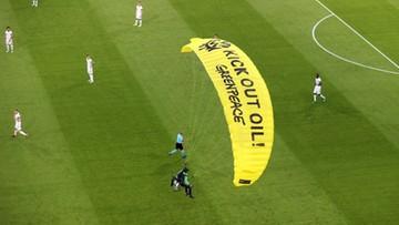 Nieudana akcja Greenpeace podczas Euro. Ucierpiały dwie osoby