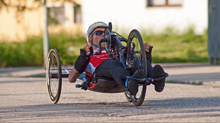 Mistrz Polski w kolarstwie ręcznym zaatakowany podczas treningu. Syn wójta miał zepchnąć go do rowu