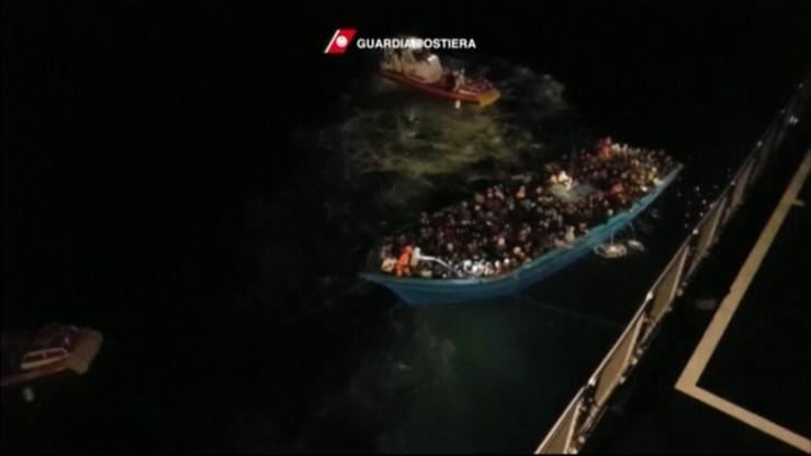 Przemytnicy migrantów są jak terroryści z Państwa Islamskiego - uważa szef MSW Włoch