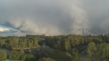 Podtopienia, zerwane dachy i powalone drzewa. Po upale deszcz i gradobicia w całej Polsce