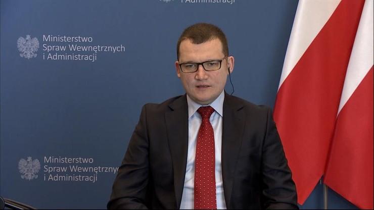 """""""Podobne sceny mieliśmy w Polsce, gdy opozycja okupowała Sejm"""". Wiceminister o zamieszkach w USA"""