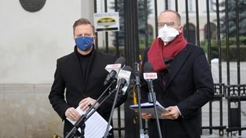 Kontrola w Ministerstwie Finansów. Posłowie KO analizują sprawę zakupu respiratorów
