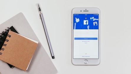 Facebook zachęca użytkowników do czytania artykułów przed ich udostępnieniem