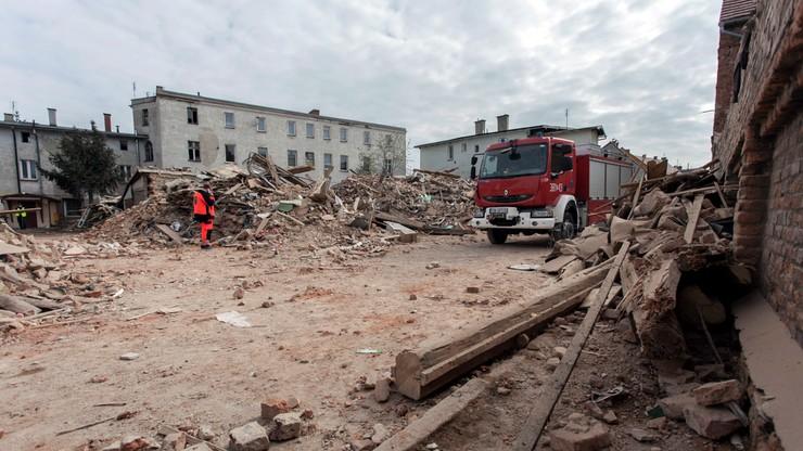 Prokuratorskie oględziny na miejscu katastrofy budowlanej w Świebodzicach