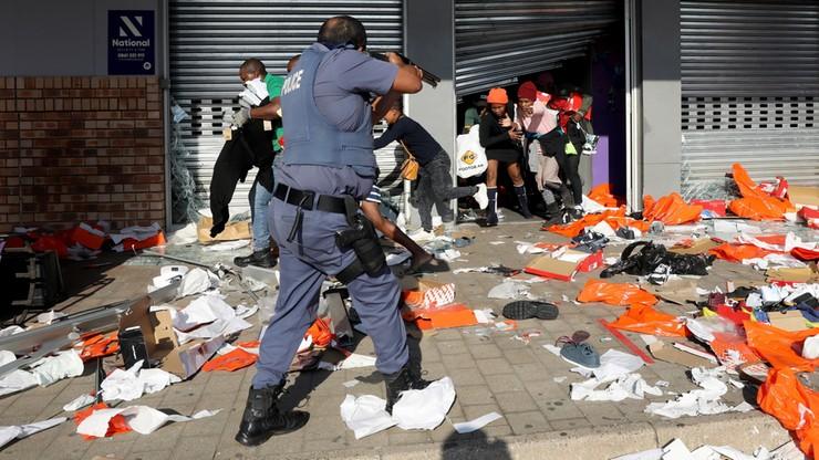 RPA: wzrosła liczba ofiar zamieszek po aresztowaniu prezydenta, program szczepień zwalnia