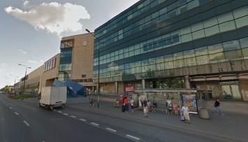 Atak nożownika na warszawskiej Pradze. Trwa obława