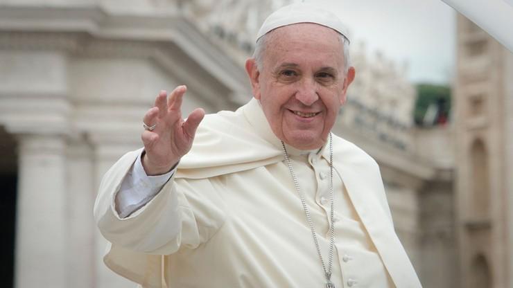 """Papież zażartował o whisky. """"To prawdziwa woda święcona"""""""