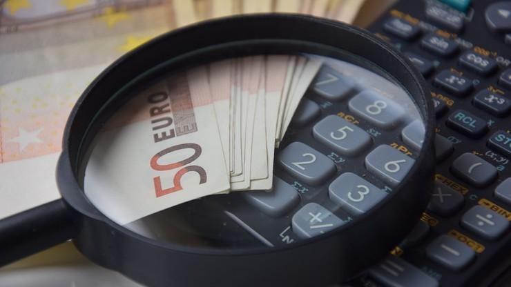 Zarzuty dla firm, które mogły wyłudzić pieniądze pod pretekstem zarabiania na oglądaniu reklam