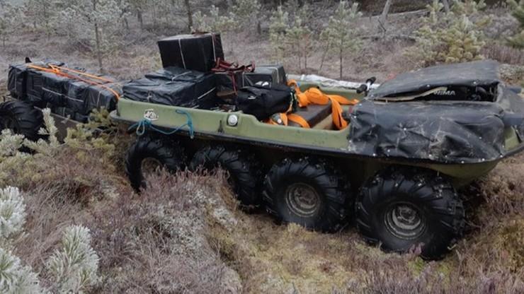 Kontrabanda przy użyciu specjalnej amfibii. Litewscy pogranicznicy odkryli ją na bagnach