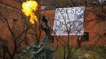 """""""Polska królestwem węgla"""". Wielki transparent w Krakowie"""