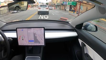 Zobacz, jak Tesla przejechała 600 kilometrów w pełnym trybie autonomicznym [FILM]