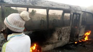 Minuty grozy. Piłkarze uciekali z płonącego autobusu (WIDEO)
